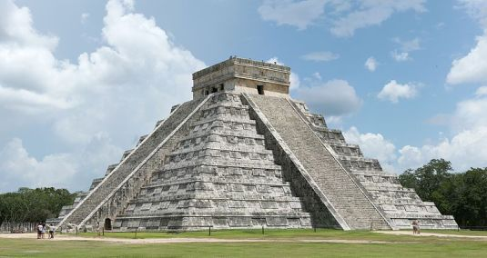 Piramide_Chichen_Itza_3